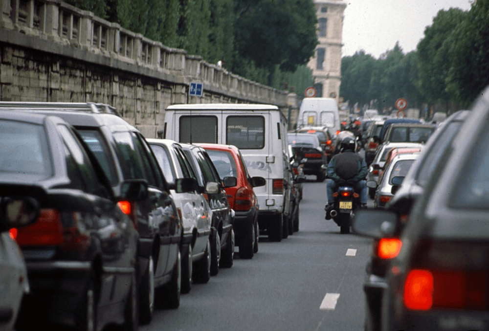 Covid-19 et confinement : des plaques d'immatriculation parisiennes mal accueillies