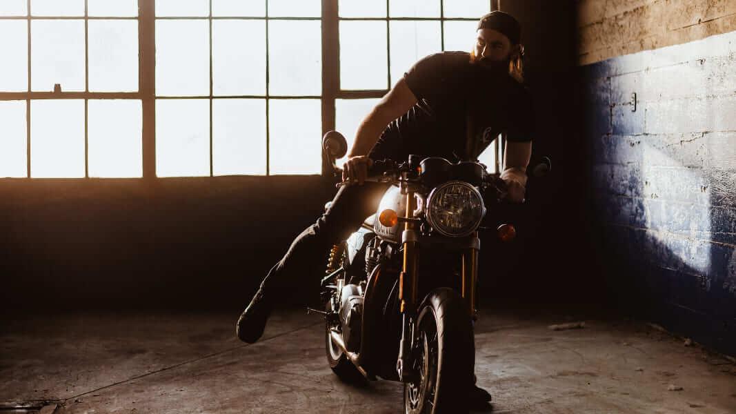 Comment nettoyer sa chaîne moto facilement ? 🏍